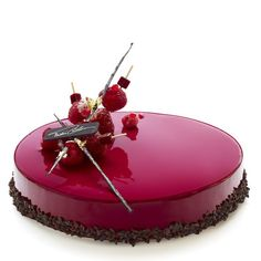 Raspberry Gateau Chocolat Glossy glazing and superlative ornamental garnishment make this photographic art as well as visually tempting to eat Fancy Desserts, Just Desserts, Dessert Recipes, Patisserie Fine, Decoration Patisserie, Mirror Glaze Cake, Mirror Cakes, Pastry Art, Beautiful Desserts