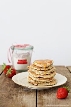 Berry Pancakes mit Sirup <3