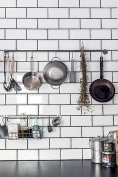 MC24 Kitchen Shelves, Kitchen Dining, Kitchen Decor, Kitchen Ideas, Kitchen Organisation Hacks, Kitchen Necessities, Scandinavian Kitchen, Home Decor Inspiration, Kitchen Inspiration