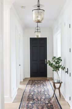 Entry & Mudroom – Park and Oak Interior Design Cottage feeling … . / home decor, interior design, bathroom & kitchen ideas Home Interior Design, House Styles, House Design, Interior, Black Interior Doors, Hallway Designs, Black Doors, House Interior, Doors Interior