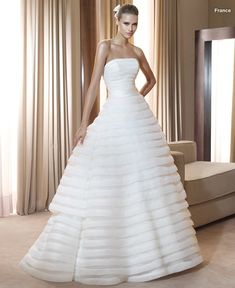 Pronovias abiti da sposa 2011 collezione Costura