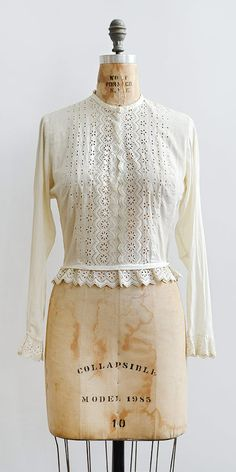 antique 1910s Edwardian ecru broderie anglaise top