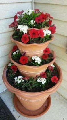 10 Ideal Cool Tips: Garden Landscaping Design Garten rose garden landscaping winter.Garden Landscaping With Stones Water Features garden landscaping design projects. Garden Planters, Succulents Garden, Planting Flowers, Planter Pots, Flower Gardening, Tiered Planter, Potted Flowers, Diy Garden, Container Plants