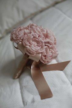 Ramo de novia de tela confeccionado por Blanca Blanco