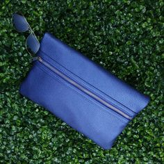 ☀️Happy First Day of Summer! The LONDON NU SOHO Z in Metallic blue. (Shown folded to create the clutch look) 💙🔷💙 Discover the many ways you can wear the LONDON bag at www.nella-bella.com or see it in person at selected @shoppersdrugmartofficial Beauty Boutiques cross Canada. . . . .   #Summer #Firstdayofsummer #MetallicBlue #CoolBlue #Blue #Handbags #getthelook #chic #jetset  #armcandy #travel #dayandnight #womensfashion #handbags #fashion #CrueltyFree #veganfashion #veganlife #vega Canada Summer, London Bags, First Day Of Summer, Blue Handbags, Beauty Boutique, Vegan Fashion, Metallic Blue, Soho, Boutiques