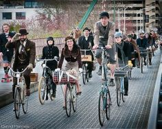 Another reason to love Portland, Oregon.   My dream hometown!  Portland tweed bike ride