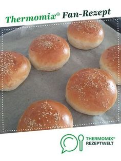 Buns für Hamburger oder Pulled Pork Buns for hamburgers or pulled pork from Wanstebude. A Thermomix ® recipe from the Bread & Buns category www.de, the Thermomix ® community. Juice Recipes For Kids, Healthy Juice Recipes, Healthy Juices, Healthy Drinks, Bread Cast, Bread Bun, Bread Rolls, Pork Buns, Pulled Pork Receta