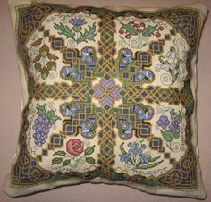 Celtic wheel of the year pillow. Celtic Cross Stitch, Fantasy Cross Stitch, Cross Stitching, Cross Stitch Embroidery, Cross Stitch Patterns, Islamic Art Calligraphy, Calligraphy Alphabet, Celtic Art, Celtic Dragon