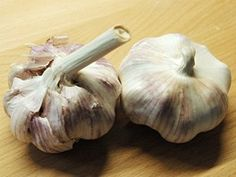 Devět tipů, jak na zahradě zatočit bez chemie s chorobami a škůdci - iDNES.cz Garlic, Flora, Vegetables, Chemistry, Plants, Vegetable Recipes, Veggies