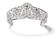 Scroll tiara, 1910  Platinum, diamonds. Sold to Elisabeth (1876-1965), Queen of the Belgians.  N. Welsh, Collection Cartier © Cartier