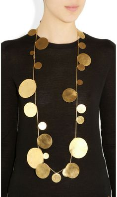 gold-plated necklace by Hervé Van Der Straeten. - gold-plated necklace by Hervé Van Der Straeten. Contemporary Jewellery, Modern Jewelry, Jewelry Art, Jewelry Accessories, Fashion Accessories, Jewelry Necklaces, Fashion Jewelry, Pearl Necklaces, Geek Jewelry