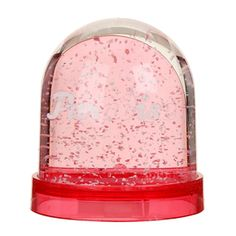 PARadISe Snow Globe. Not usually that interested by snow globes, but why not?