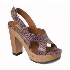 Nae Anna Vegan Sandals are made from microfiber vegan snakeskin in an ecological CO2 free manufacturing system in Portugal!