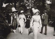Jacques-Henri Lartigue, Promenade, Auteuil, 1911