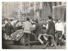 """Fotografia: Flagrante da """"Passeata dos Cem Mil"""". Organizada pelo movimento estudantil de 1968 contra a ditadura militar."""