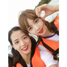 #BLACKPINK / Jisoo & Lisa