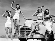 8x10 Print - Summer time beauties, 1950s - photo black and white