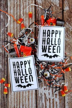Free Printable Happy Halloween Treat Pouches. Fill them up with little candies and bubbles and pass them out to friends and classmates.