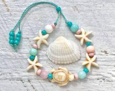 KIDS jewelry little mermaid bracelets beachy bracelet boho kids by beachcombershop Seashell Jewelry, Seashell Necklace, Beach Jewelry, Diy Necklace, Armband Tutorial, Bracelet Tutorial, Little Girl Jewelry, Kids Jewelry, Kids Bracelets