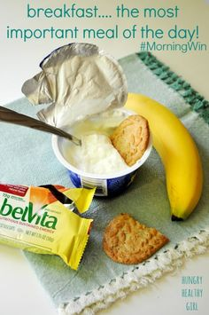 #MorningWin with Dannon Oikos nonfat Greek yogurt and Crunchy belVita Breakfast Biscuits. #FitFluential