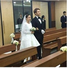 Rain and Kim Tae Hee are married + pictures from their beautiful wedding