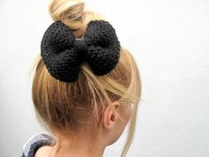Knitted Purl Bow // Black Hair Bow // Ready to by hellobettybow Black Hair Bows, How To Purl Knit, Glitter Fabric, How To Make Bows, Handmade, Etsy, Fashion, Moda, Hand Made