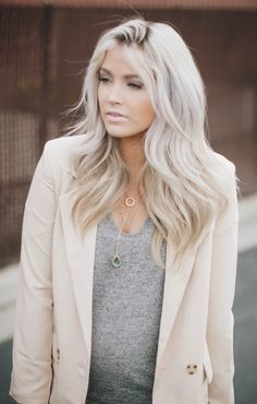 Looking for some blonde hair inspiration? We've put together a list of our favourite blonde A-listers to inspire your next do. From classic bright blonde t. Shatush Hair, Blonde Grise, Cool Blonde Hair, Winter Blonde Hair, Platinum Blonde, Ash Blonde, Light Blonde, Blonde Highlights, Brassy Blonde
