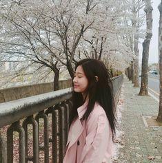 kim minjoo // produce 48 // urban works on We Heart It Yu Jin, Japanese Girl Group, Ootd, Kim Min, Soyeon, The Wiz, Ulzzang Girl, Me As A Girlfriend, K Idols