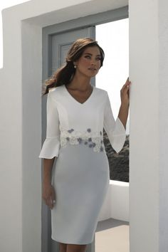 Mother of the Bride Groom - We are the destination store for gorgeous Mother of the bride groom dresses & outfits. Find stunning dresses of all sizes & colours by Linea Raffaelli, Carla Luiz & Sonia Pena. Mother Of The Bride Fashion, Mother Of The Bride Suits, Mother Of Bride Outfits, Mother Of Groom Dresses, Mothers Dresses, Bride Groom Dress, Mob Dresses, Fashion Dresses, Bride Dresses