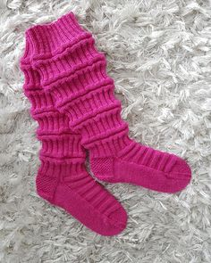 Marimekko, Knitting Socks, Christmas Crafts, Wool, Diy, Knit Socks, Bricolage, Xmas Crafts, Diys