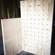 freestanding, flatpackable peg board + ply wall combo. looking forward to seeing this one in action! #marketstallco #plywood #custom #handmade #marketstall #marketstalls #marketstand #marketstands #retail #plywall #pegboard #popupshop #plywall #plywalls #plywood #marketdisplay #marketdisplays #maker #madeit #makers