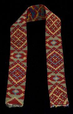 Smettaband med geometrisk mønster. Trolig del av stakkeband. Laget på bandstol. Folk Costume, Costumes, Loom Weaving, Tape, Fashion, Moda, Loom, Dress Up Clothes, Fashion Styles