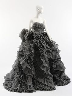 Evening dress House of Ricci (French, founded 1932) Designer: Olivier Theyskens (Belgian, born 1977) Date: fall/winter 2007–8 Culture: Frenc...