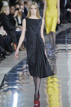 Valentino Fall 2009 Ready-to-Wear Collection Photos - Vogue