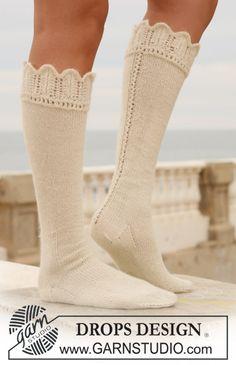 Pitkät DROPS sukat pitsireunuksella Alpaca-langasta. Ilmaiset ohjeet DROPS Designilta.