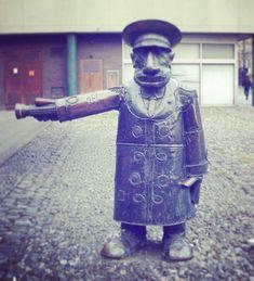Street art sculpture cities new Ideas Van Gogh Art, Dublin City, Irish Art, Vintage Canvas, Art Deco Wedding, Painting Lessons, Simple Art, Geometric Art, New Art