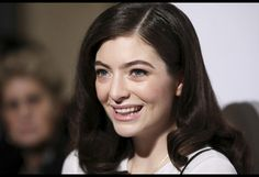 Billboard 200 Chart Moves: Lorde's 'Pure Heroine' Returns, Panic! at the Disco's 'Weird' Nets 100th Week on List