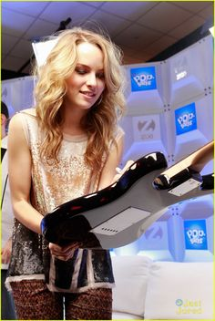bridgit mendler (possible hairstyle!)