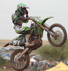Google Image Result for http://3.bp.blogspot.com/-zxW7LzPO144/TfcI7g_H-qI/AAAAAAAADUw/mRODeKnOmqA/s400/kawasaki-dirt-bikes-85.jpg