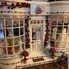 Your place to buy and sell all things handmade Dollhouse Kits, Vintage Dollhouse, Dollhouse Miniatures, Miniature Rooms, Miniature Houses, Dolls House Shop, Doll Houses, Off White Paints, Wooden Sofa