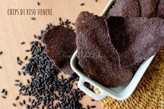 Chips di riso nerone:Da servire al posto del pane, con le zuppe o salse, queste particolari chips di riso venere, dal buon sapore di riso nero.