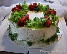 Kääpiölinnan köökissä: Ihana lohivoileipäkakku kevään ja kesän juhliin ♥