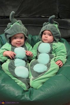 two peas in a pod 2013 halloween costume contest - Baby Twin Halloween Costumes