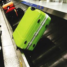 En tu #equipaje #luggage asegúrate que lleve refuerzos en las partes que sufre ....  En #outletgacela & #thebackpack  te ofrecemos los mejores #descuentos para estas #vacaciones #holidays #disfruta de las #rebajas con nosotros y equípate al mejor #precio #nosvemosenlastiendas