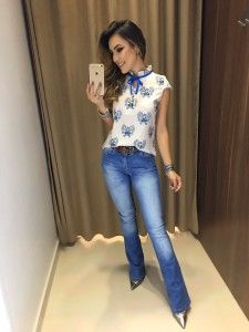 Flowy blouse and chunky belt Diva Fashion, Office Fashion, Look Fashion, Fashion Outfits, Womens Fashion, Summer Office Outfits, Casual Work Outfits, Fall Outfits, Cute Outfits