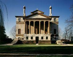 """Villa Foscari """"La Malcontenta"""" (constr. v. 1560 pour Niccolò et Luigi Foscari ; arch. : Andrea Palladio)."""