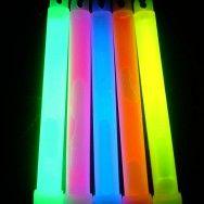 Yaz aylarında Glow ışıklı çubuk