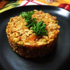 tortino ai 5 cereali, quinoa, primi piatti, ricette vegan, oste vegano, in cucina con voi, pomodori secchi, piselli, colore