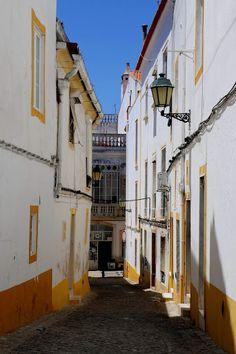 i Share: Street Scenes from Elvas, Portugal