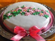Bolo de Aniversário // Birthday cake